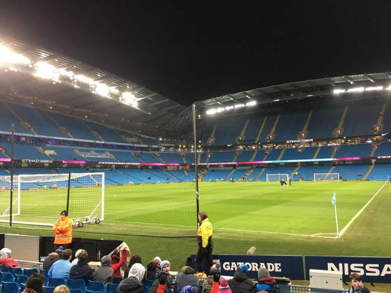 Vista sentada para Etihad Stadium (Manchester) Secção 134 Fila G Lugar 932