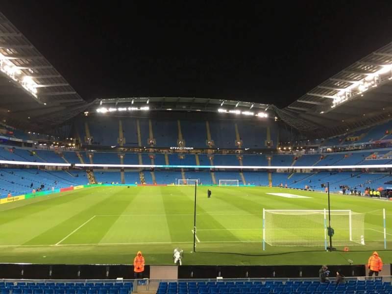 Vista sentada para Etihad Stadium (Manchester) Secção 138 Fila X Lugar 1050