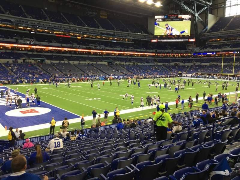 Vista sentada para Lucas Oil Stadium Secção 145 Fila 19 Lugar 10