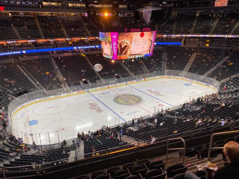 Vista sentada para T-Mobile Arena Secção 202 Fila G Lugar 12