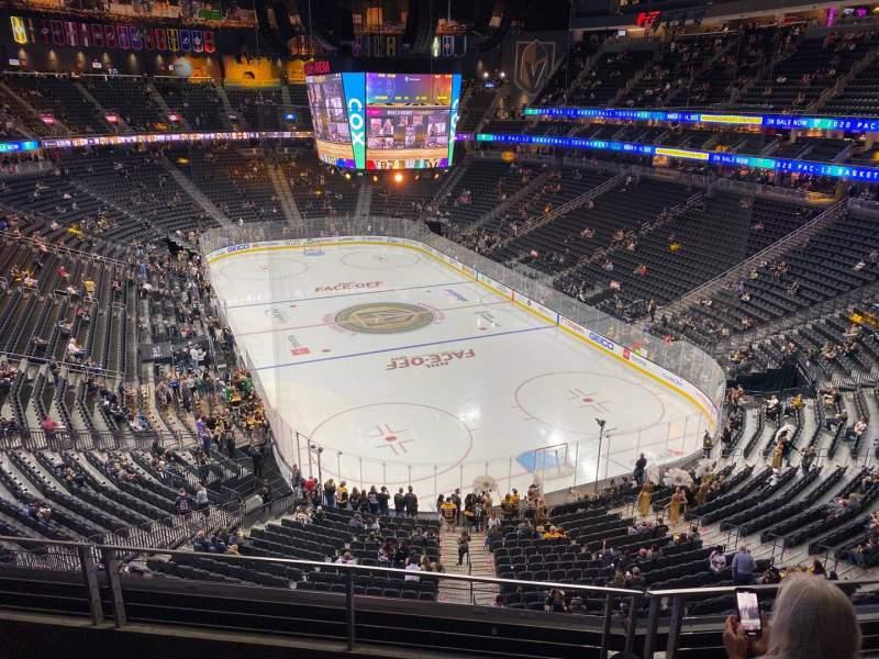Vista sentada para T-Mobile Arena Secção 212 Fila C Lugar 6