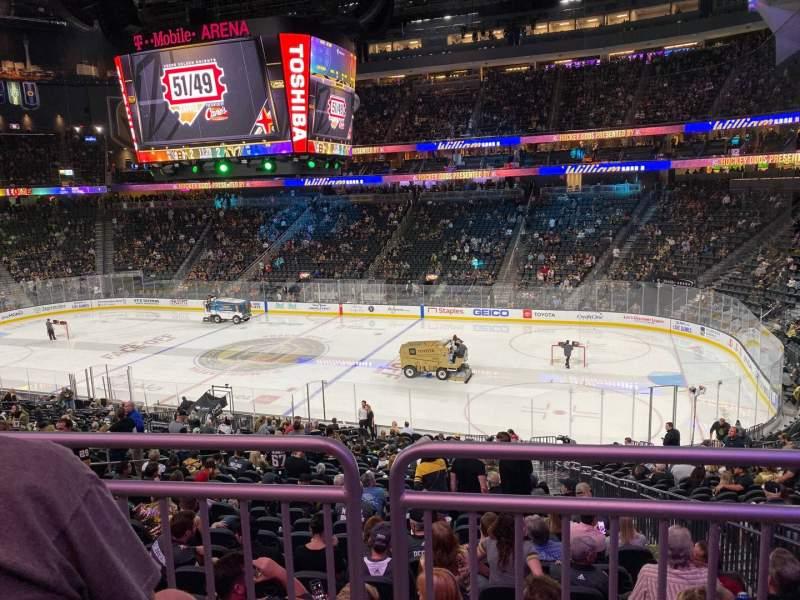 Vista sentada para T-Mobile Arena Secção 7 Fila Wc Lugar 13