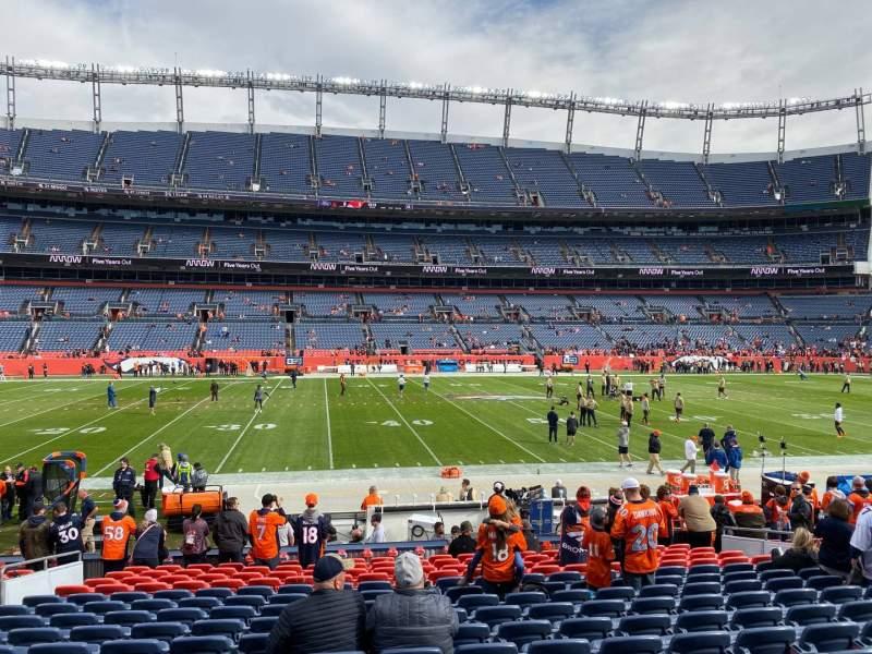 Vista sentada para Empower Field at Mile High Stadium Secção 106 Fila 16 Lugar 14