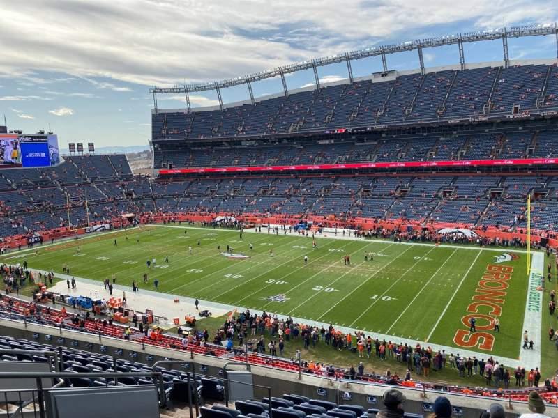Vista sentada para Empower Field at Mile High Stadium Secção 331 Fila 10 Lugar 10