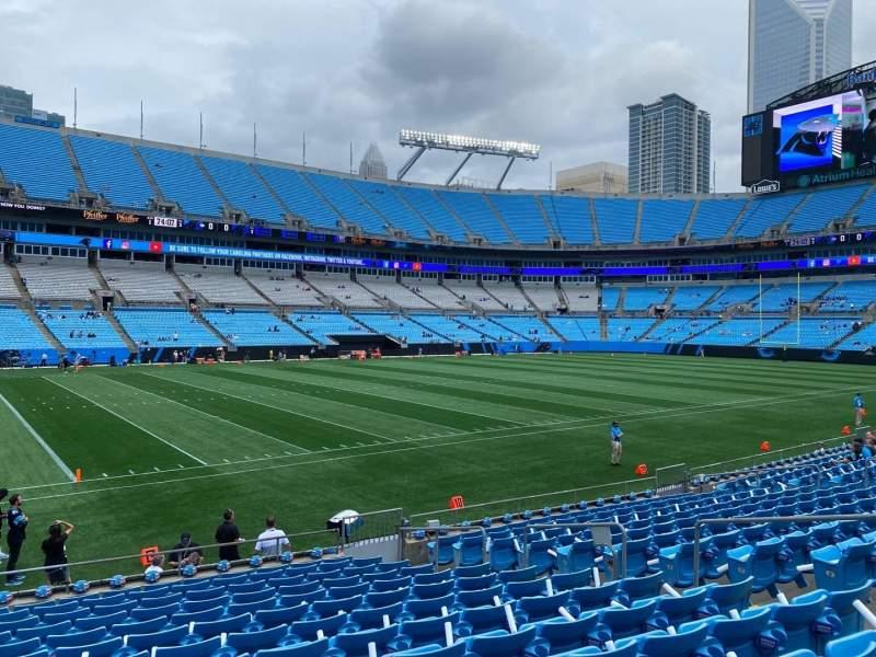 Vista sentada para Bank of America Stadium Secção 136 Fila 13 Lugar 10