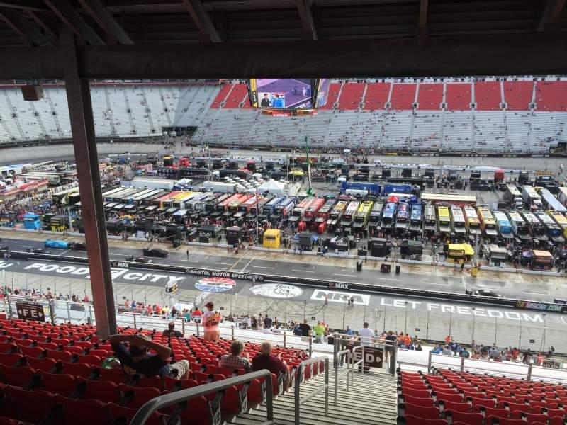 Vista sentada para Bristol Motor Speedway Secção Allison Terrace Fila 17 Lugar 19