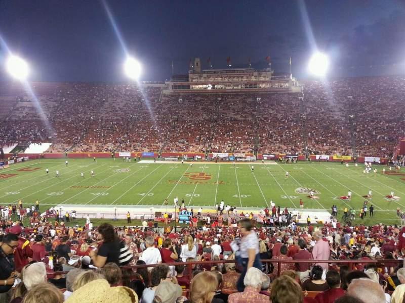 Vista sentada para Los Angeles Memorial Coliseum Secção 22H Fila 50 Lugar 105