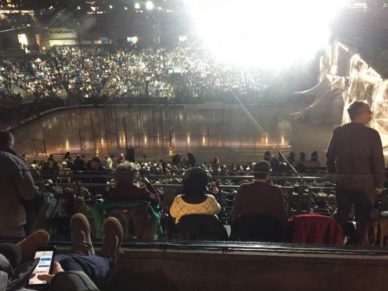 Vista sentada para Nationwide Arena Secção C4 Fila B Lugar 4