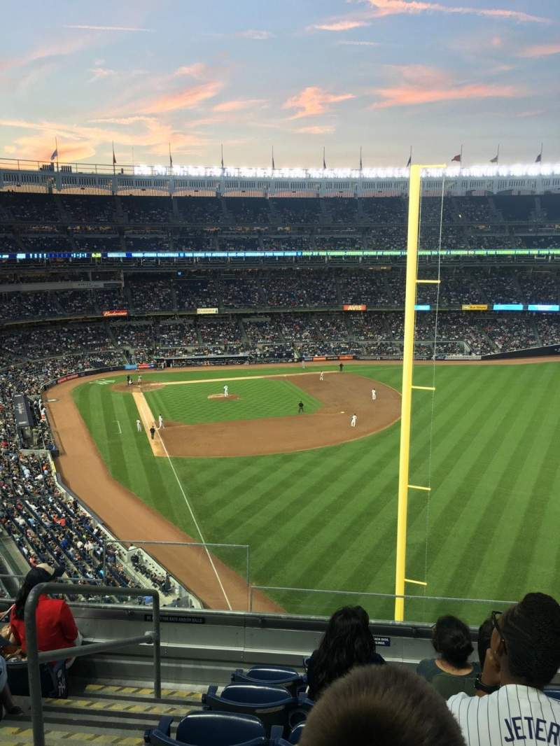 Vista sentada para Yankee Stadium Secção 307