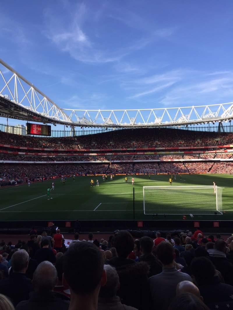 Vista sentada para Emirates Stadium Secção 25 Fila 14