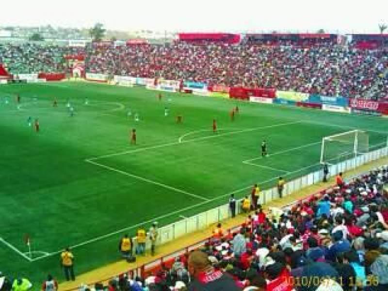 Vista sentada para Estadio Caliente
