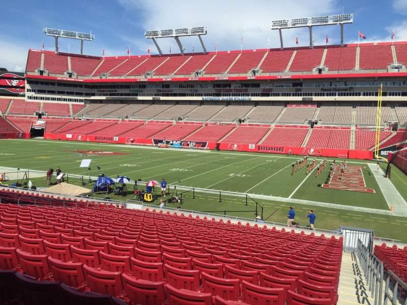 Vista sentada para Raymond James Stadium Secção 114 Fila Cc Lugar 24