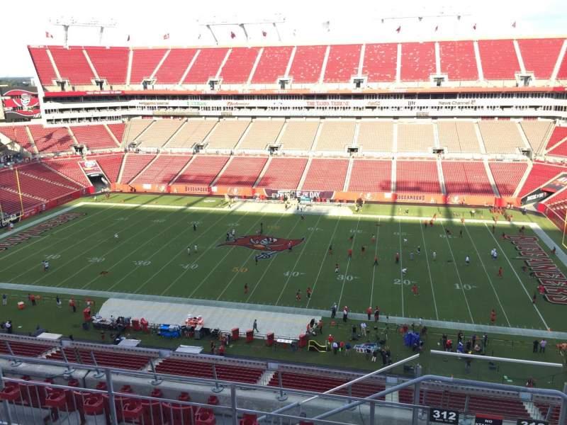 Vista sentada para Raymond James Stadium Secção 312 Fila E Lugar 24