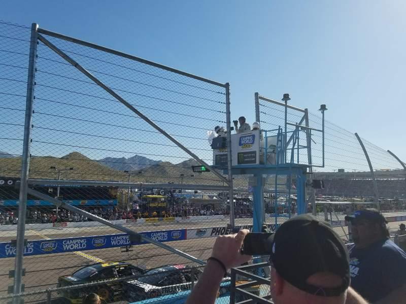 Vista sentada para Phoenix Raceway Secção Bryan AA Fila 2 Lugar 6