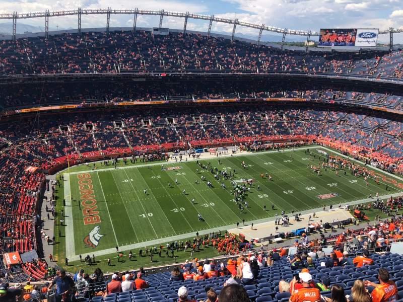 Vista sentada para Broncos Stadium at Mile High Secção 538 Fila 23 Lugar 24