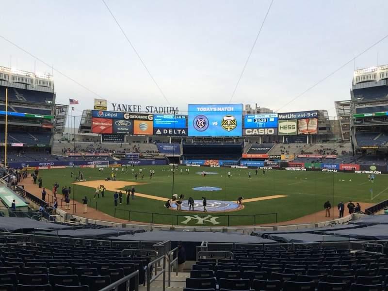 Vista sentada para Yankee Stadium Secção 120a Fila 26 Lugar 10
