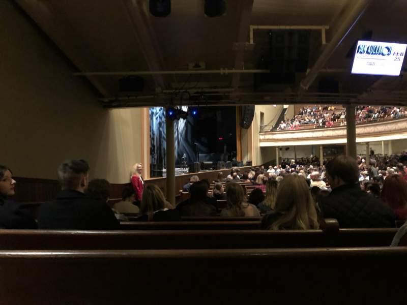 Vista sentada para Ryman Auditorium Secção MF-8 Fila U Lugar 8