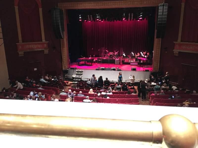 Vista sentada para Bergen Performing Arts Center Secção Mezzanine C Fila A Lugar 110