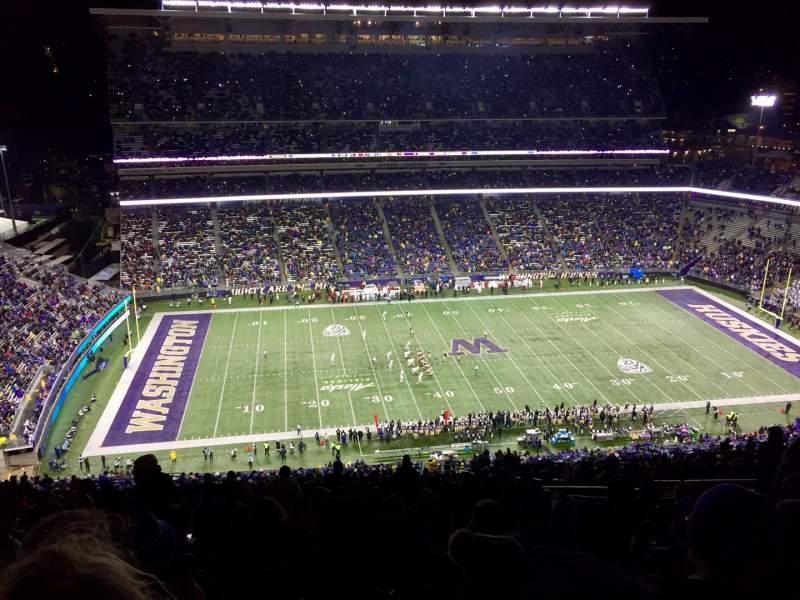 Vista sentada para Husky Stadium Secção 331 Fila 50 Lugar 12