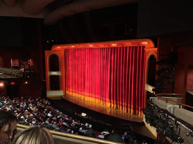 Vista sentada para Marquis Theatre Secção Mezzanine R Fila B Lugar 22