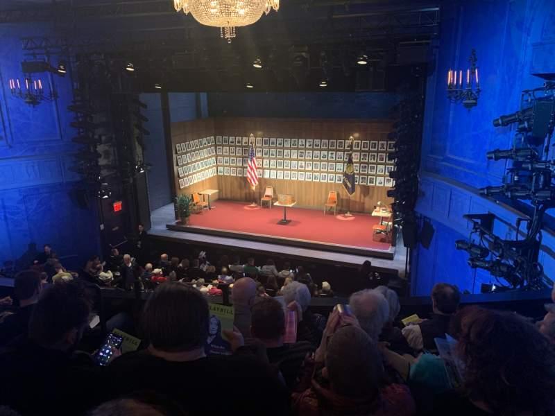 Vista sentada para Hayes Theater Secção Mezzanine R Fila E Lugar 2