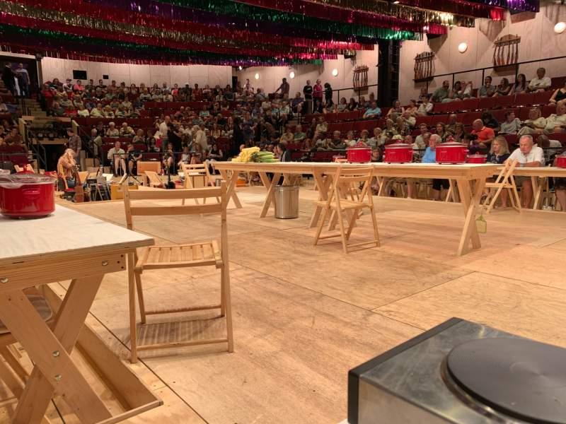 Vista sentada para Circle in the Square Theatre Secção Floor Fila FL Lugar 412