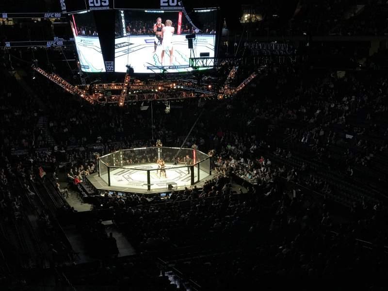 Vista sentada para Madison Square Garden Secção 203 Fila BS4 Lugar 2