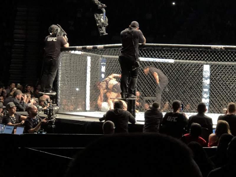Vista sentada para T-Mobile Arena Secção 17 Fila BB Lugar 7