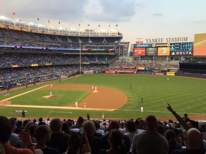 Vista sentada para Yankee Stadium Secção 214b Fila 19 Lugar 6