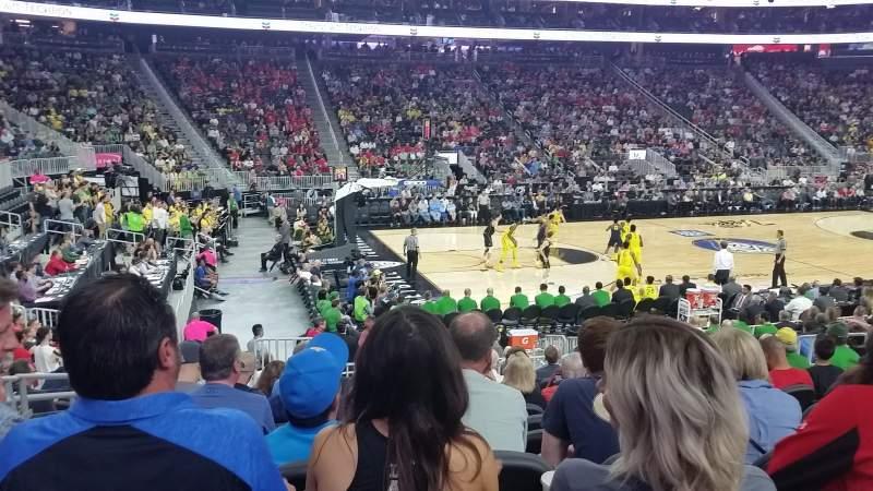 Vista sentada para T-Mobile Arena Secção 4 Fila L Lugar 4
