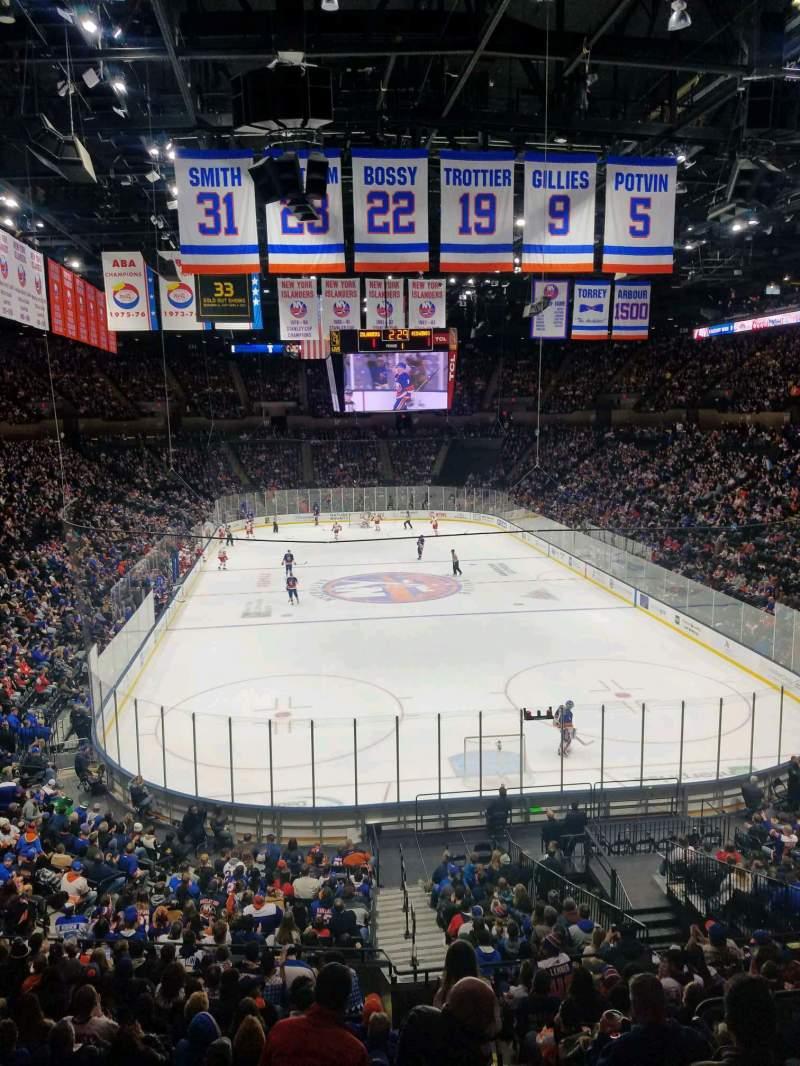 Vista sentada para Nassau Veterans Memorial Coliseum Secção 213 Fila 1 Lugar 10