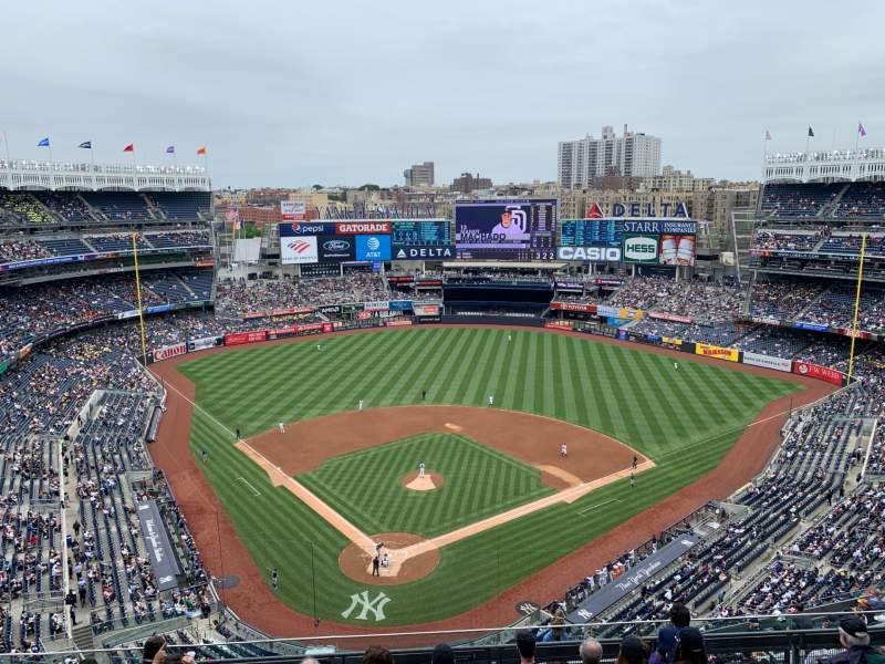 Vista sentada para Yankee Stadium Secção 420a Fila 7 Lugar 14