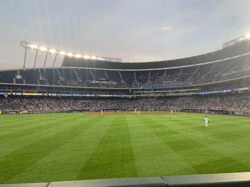 Vista sentada para Kauffman Stadium Secção 103 Fila B Lugar 5