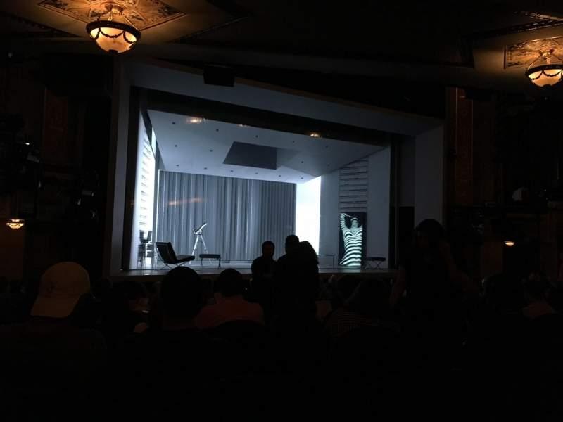 Vista sentada para Gerald Schoenfeld Theatre Secção Orchestra L Fila P Lugar 11