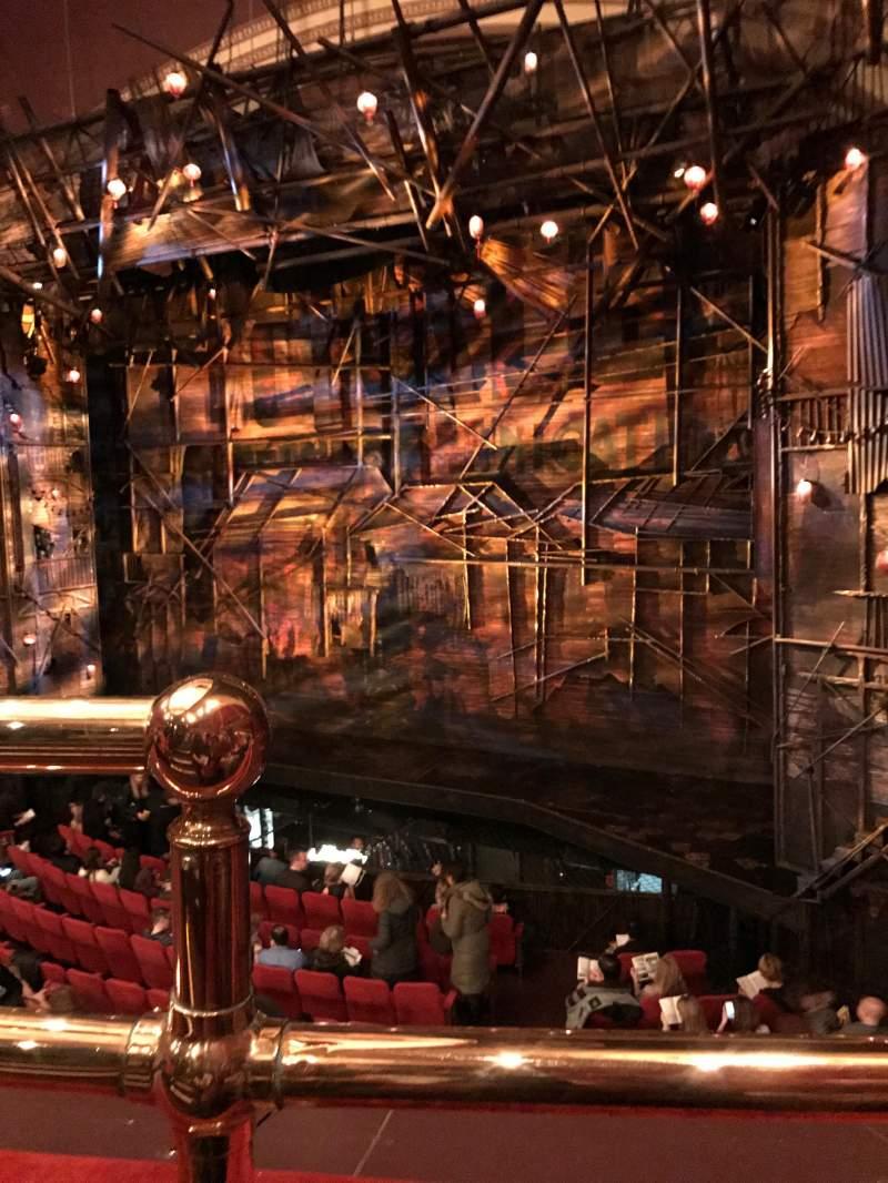 Vista sentada para Broadway Theatre - 53rd Street Secção Front Mezzanine R Fila A Lugar 1