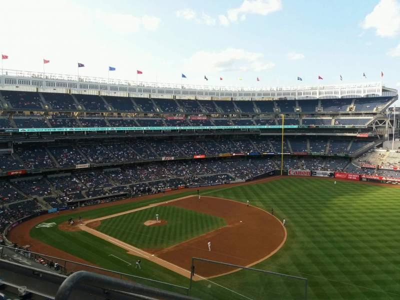 Vista sentada para Yankee Stadium Secção 312 Fila 4 Lugar 17