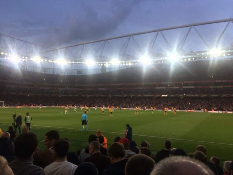 Vista sentada para Emirates Stadium Secção 31 Fila 8 Lugar 964