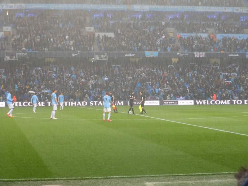 Vista sentada para Etihad Stadium (Manchester) Secção 127 Fila E Lugar 743