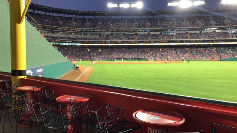 Vista sentada para Globe Life Park in Arlington Secção 44 Fila 1 Lugar 8