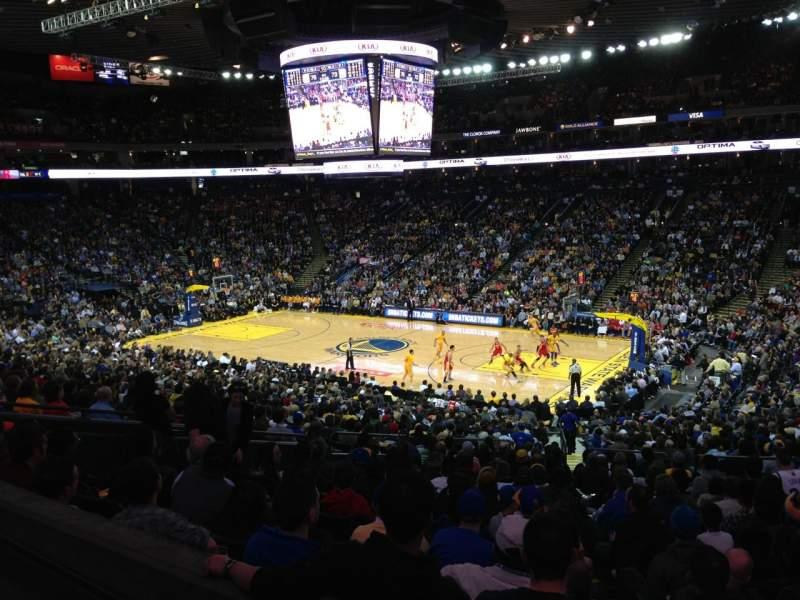 Vista sentada para Oakland Arena Secção C13