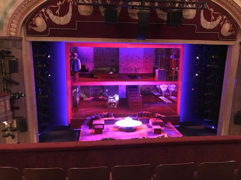 Vista sentada para Booth Theatre Secção Mezzanine C Fila D Lugar 101, 102 And 103