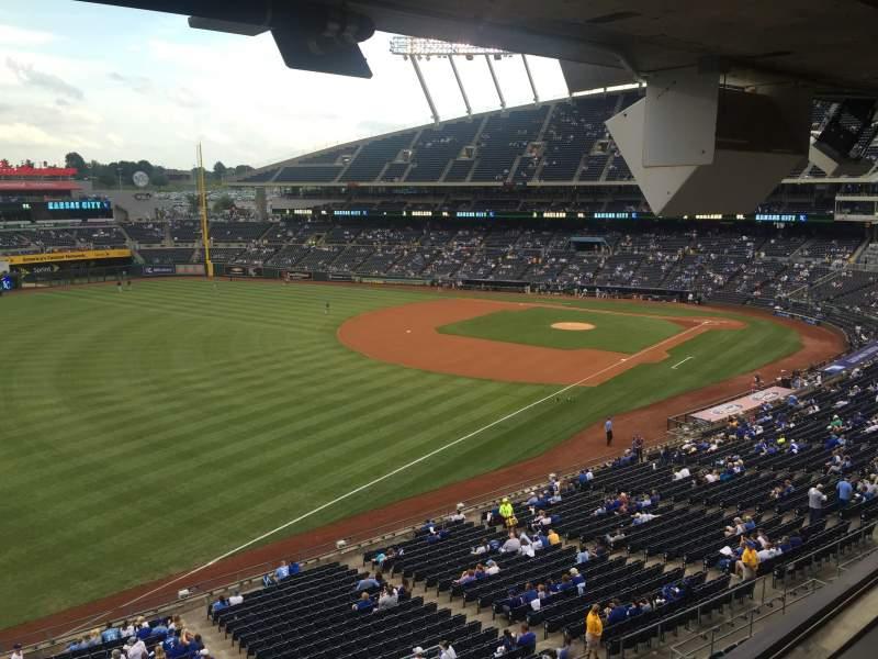 Vista sentada para Kauffman Stadium Secção 301
