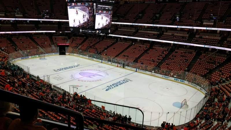 Vista sentada para Honda Center Secção 406 Fila C Lugar 16