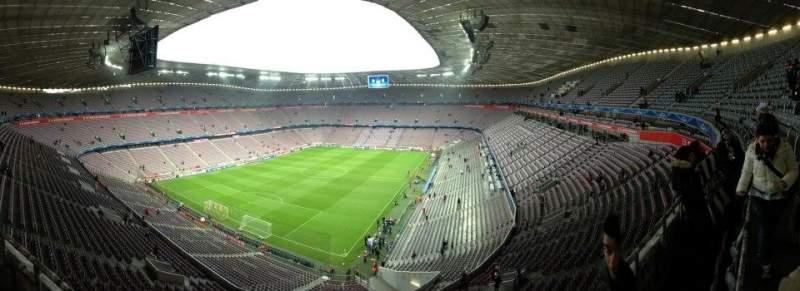 Vista sentada para Allianz Arena Secção 345 Fila 1