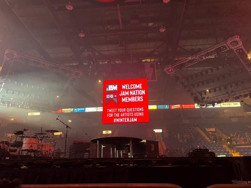 Vista sentada para Santander Arena Secção Floor Fila 2