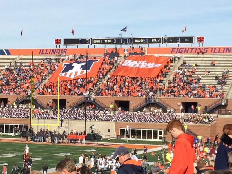 Vista sentada para Memorial Stadium (Champaign) Secção 109 Fila 32 Lugar 20