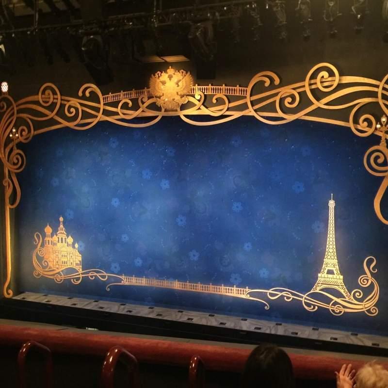 Vista sentada para Broadhurst Theatre Secção Mezzanine R Fila D Lugar 2-4