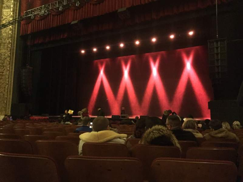 Vista sentada para Chicago Theatre Secção MNFL3R Fila PP Lugar 316