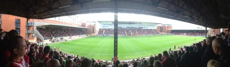 Vista sentada para Matchroom Stadium Secção EBM - PAPST East Stand Upper Fila K Lugar 159
