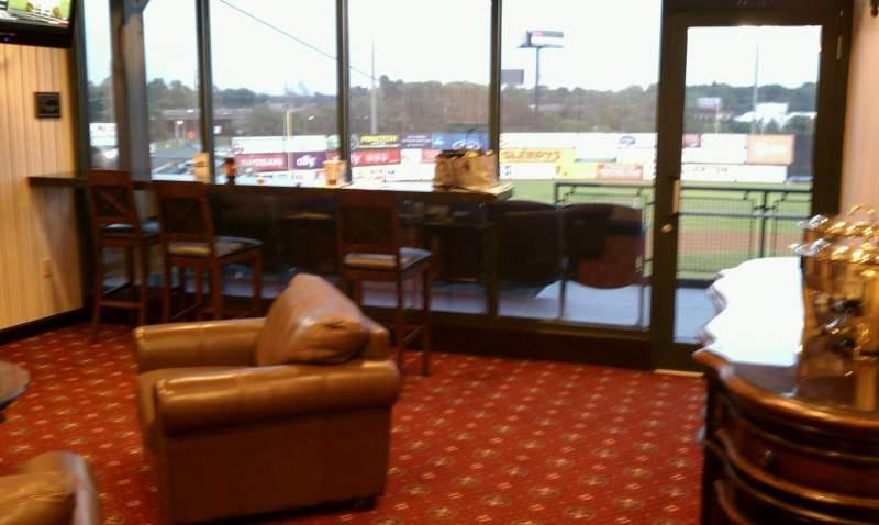 Vista sentada para TD Bank Ballpark Secção Suite 301 Fila B Lugar 1